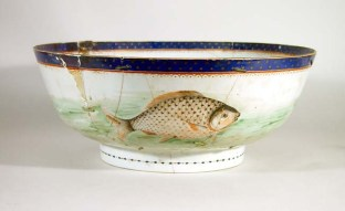 Chinese porcelain punch bowl decorated with a fish circa 1765